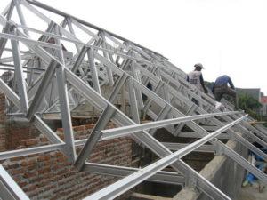 Konstruksi atap Atap Baja Ringan Subang